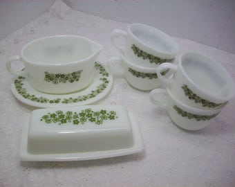 Vintage Pyrex Corning Crazy Daisy Spring Blossom Gravy Boat Butter Dish & Four Cups Mugs