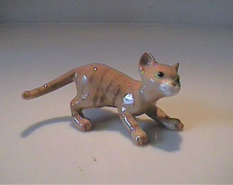 Vintage miniature Hagen Renaker papa orange tabby kitty cat