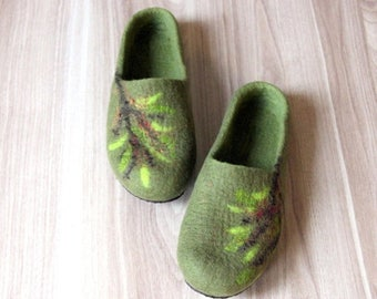 Women wool clogs - house shoes - felted wool slippers - Mothers day gift - olive green with tree decor - gift for her