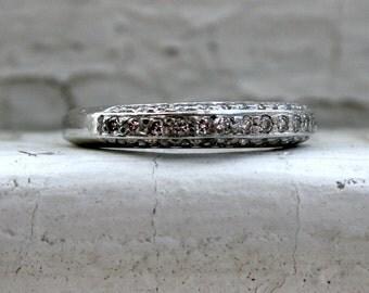Beautiful Vintage Platinum Pave Diamond Wedding Band Ring.