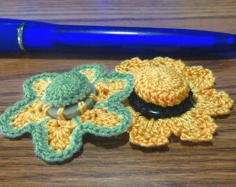 Button flowers #bf014 lot of 2 crochet appliques bouquet decoration adornment embellishment motifs wedding birthday