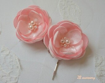 Pale pink bridesmaid hair flowers, handmade bridal accessories, sew on silk flowers ornaments, pale pink shoe clips, flowers with pearls pin