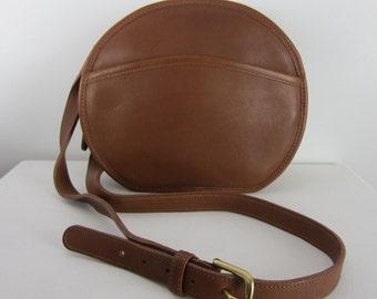 Vintage COACH Canteen Shoulder Bag - Brown Leather - 349 - Made in USA - Classic - Fashion Designer Cross Body Bag - Minimalist Purse