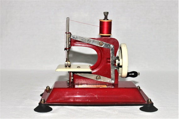 50s sewing machine