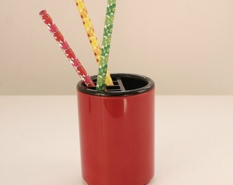 Red Mod Retro Plastic Interdesign Pencil and Pen Holder - Modern Mid Century Desk or Office