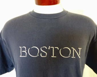 vintage 90's Boston Massachussets navy blue graphic t-shirt white embroidered logo tourist souvenir vacation crew neck tee made in usa large