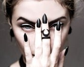 BLACK FRIDAY SALE - Occult midi ring in black - A midi ring with the Sun and Moon hiding from each other.