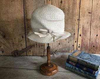 1920s Cream White Straw Raffia Cloche Hat, Authentic Flapper Hat, Silk Grosgrain Ribbon Bow
