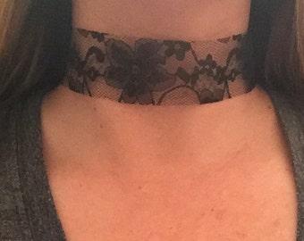Black lace choker