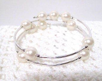 Silver & Pearl Bracelet, Wire Bracelet, Vintage acrylic pearls, Fits Most, Creamy Pearls, Free Shipping, Free Shipping