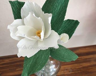 Ivory Magnolia Bud / Crepe Paper Magnolia Bud Stem / White Magnolia Flower / Single Stem Crepe Paper Flower / Bridal Flower / Wedding Flower