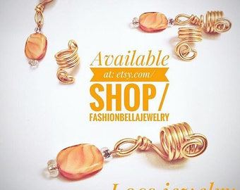 Set of gold wire loc jewelry with stone