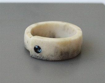 Antler ring, Size 8,5 US, Inlaid Swarovski crystal, Deer antler ring, Black stone ring, Black crystal ring, Bone ring, Antler jewelry