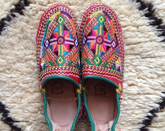 Women's Moroccan Embroidered Leather Berber Babouches/Slippers/Shoes Size UK6/EU39/US8.5