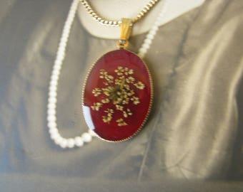 Vintage Gold Plated Captured Flower Queen Annes Lace Pendant Necklace Flower Necklace