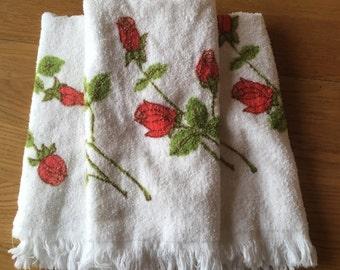 Vintage hand towel set. Vintage rose hand towels. Vintage towels. Rose hand towels. Set of three.
