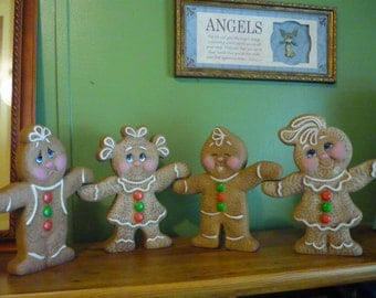 Ceramic Ready to paint Hand n Hand Gingerbread Kids