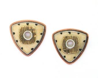 Tabra Tribal Pattern on Bone Earrings EE1032