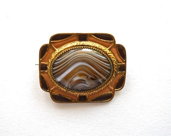 Victorian Banded Agate Brown and Golden Enamel Brooch Pin