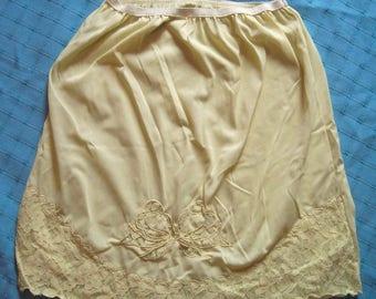 Opalaire light YELLOW half slip vintage Short mini lace applique antron nylon L