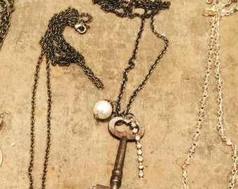 Vintage Key Necklace, pearls, necklace, antique key, skeleton key, bling, bohemian