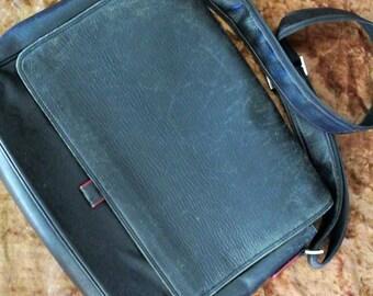 Vintage messenger bag - Men's: Black leather with strong strap