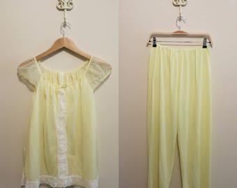 Pajamas PJs yellow lace sweet pinup 1960s chiffon L 38 40