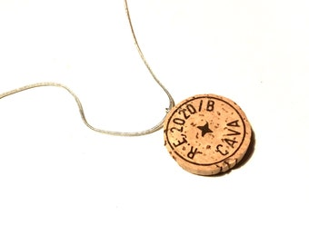 Cava cork necklace handmade champagne recycling upcycling green natural country kitsch chic retro geek