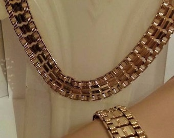 Vintage Sarah Coventry Necklace bracelet Set