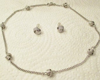 Vintage 1980's AVON Silver Retro Large Knotted Knots Necklace & Matching Earrings JEWELRY SET - Looks New - Signed - 15in - Stud Earrings -