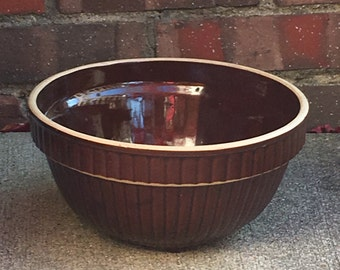 """Old Antique Stoneware Pottery Brown Ribbed 9"""" Mixing Bowl L1116C22"""