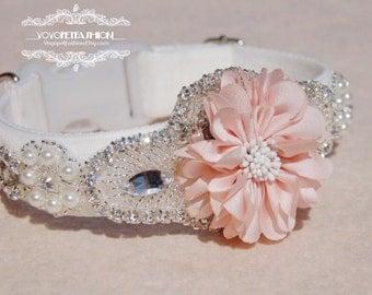 Modern ivory white panne velvet with soft pink flower dog collar,wedding dog collar.party dog collar. Pet Birthday gift.flower dog collar