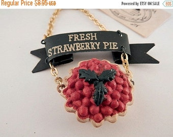 Strawberry Pie Christmas Ornament Kitchen Wall Hanging Pie Shop Decor Baker's Gift