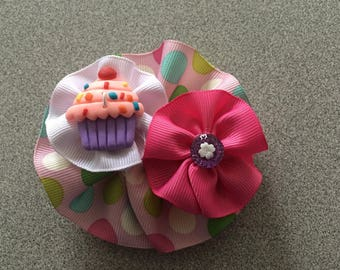 Round Hair Bow with Cupcake Resin Figure