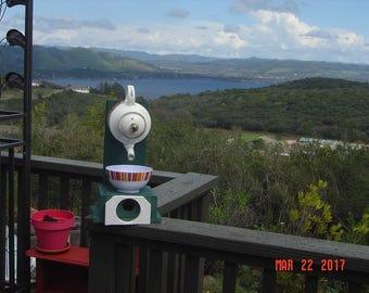 Dons Unique Birdhouses/Feeders