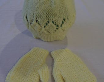 Hand Knitted Toddler Lace Patterned Hat & Mittens Set