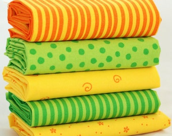 5 Organic Fat Quarter Fabric Bundle - green yellow lamb - 100% cotton - quilt patchwork craft bunting doll toy child babysafe crib nursery