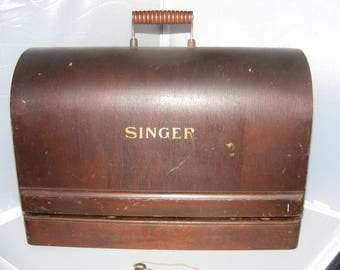 "Antique Singer Sewing Machine Bentwood Dome Case 17.25"" x 8.25"" x 12"" Portable Case, Sewing, Carry Case, 1922, Crafts, Fabric, Needlepoint"