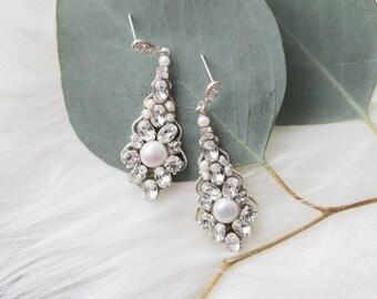 Bridal Earrings Vintage Style, Crystal Wedding Earrings Chandelier, Bridal Statement Earrings, Pearl and Crystal Earrings Art Deco