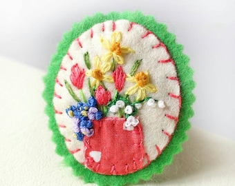 Mixed Flower Brooch with Pink Tulips, Yellow daffodils, Forget Me Nots & Lily of the Valley, Spring Flowers, Hand Embroidered Felt Pin