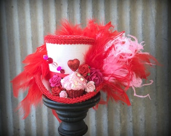 Mini Top Hat, Valentines Mini Top Hat, Alice in Wonderland, Mad Hatter Hat, Cupcake Mini top hat, Tea Party Hat, red and pink, Heart hat
