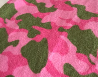 A  camouflage print in pink and green fitted crib /toddler sheet