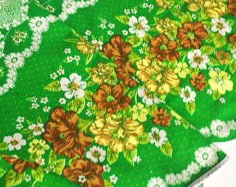 Vintage mod retro Valance, with nice flowers. Scandinavian pattern, made in Sweden