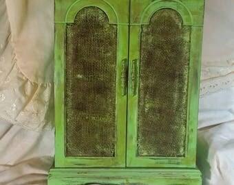 Vintage jewelry box. Jewelry box. Jewelry storage. Lime green jewelry box. Rustic jewelry box. Antique jewelry box. Country. Rustic. Easter