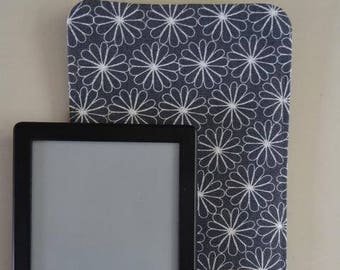 Kindle Sleeve Grey Floral