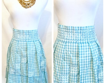 The Perfect Apron! Blue & White Gingham Half Apron. NOS