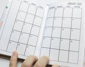 Traveler's Notebook POCKET Size Month on Two Pages SUNDAY-SATURDAY {July 2017-June 2018} #600-02