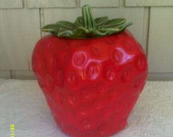 Vintage McCoy Strawberry Cookie Jar, USA 263, Kitchen Strawberry, Red Cookie Jar, McCoy Kitchen Jar, Strawberry Cookie, Strawberry Decor