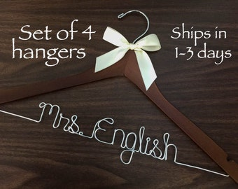 Set of 4 High quality hangers, Wedding hanger, wedding photos, bridal, Wire hanger with ribbon, name hanger, bridal hanger, wedding gift