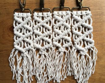 Macramé keychain/bag accessory